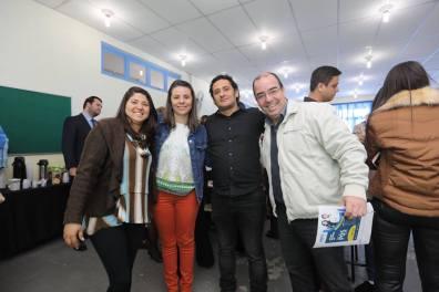 Adriano com Angélica e profissionais da empresa Aqualimp