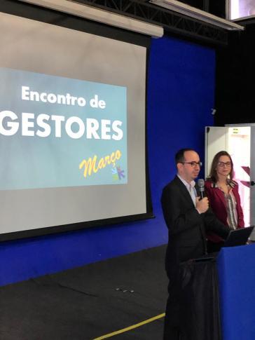 Professor João Ricardo e Melissa