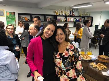 """As duas vencedoras do """"Destaque feminino da Gestão de Pessoas"""" Gabriela Leite e Daniela Gonçalves"""